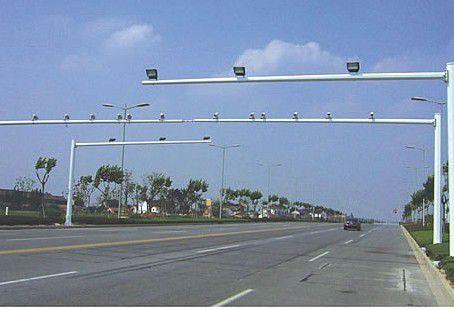 兰西交通标志杆